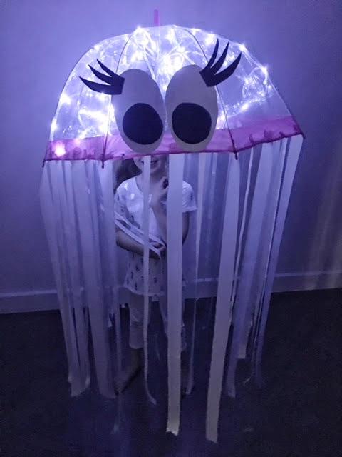DIY Glowing Jellyfish ...